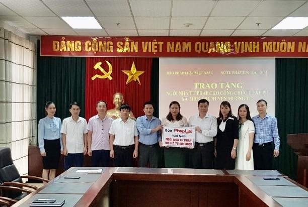 Sở Tư pháp tỉnh Lai Châu trao tặng ngôi nhà mái ấm Tư pháp