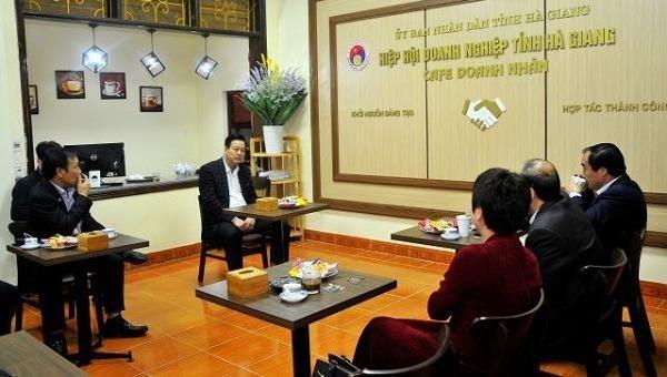 """Chủ tịch UBND tỉnh Hà Giang """"cà phê cùng doanh nhân"""" đầu xuân Tân Sửu"""