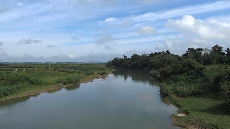 Dự án kè sông Ngàn Sâu (huyện Hương Khê, Hà Tĩnh): Không sạt lở vẫn xây kè chống sạt lở