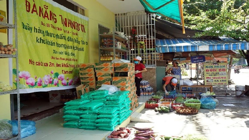 Ấm lòng 'phiên chợ 0 đồng' giữa tâm dịch Covid-19 tại Đà Nẵng