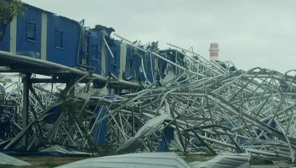 Sập mái nhà xưởng, 5 công nhân bị thương vong