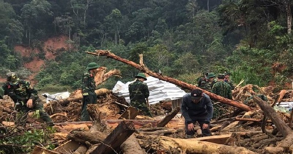 Tạm dừng tìm kiếm nạn nhân mất tích ở Phước Sơn để phòng, chống bão số 10