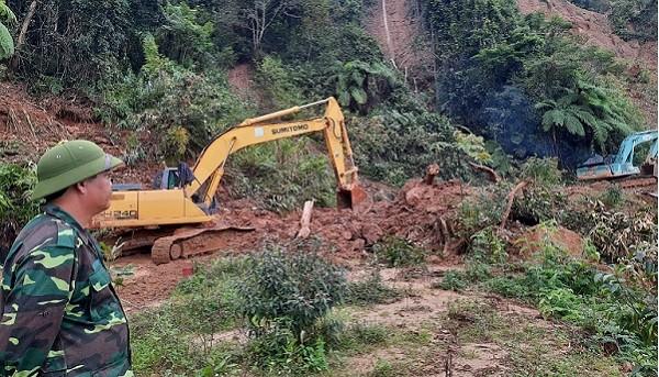 Thông đường vào xã bị cô lập nhiều ngày ở Quảng Nam