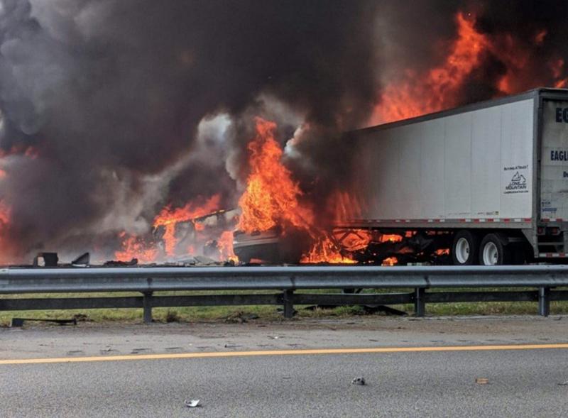 7 người chết trên đường cao tốc bị tràn dầu ở Mỹ