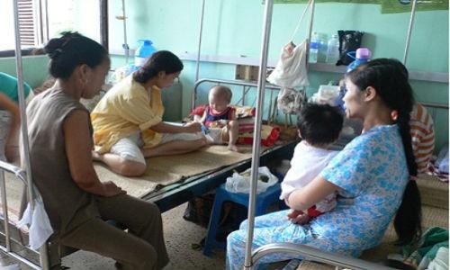 17 bệnh viện Trung ương ký cam kết không để người bệnh nằm ghép