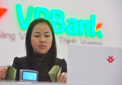 """Miễn giảm lãi suất cho 2 khách hàng """"tố"""" ngân hàng VPBank cho vay """"nặng lãi""""?"""
