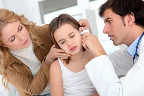 Kết quả hình ảnh cho làm sạch tai đúng cách