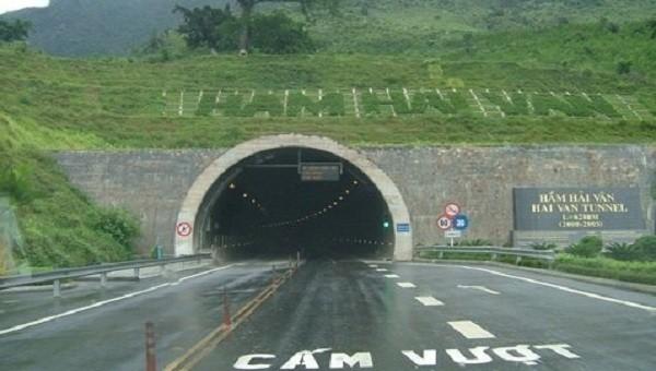 Gần 29 triệu lượt xe lưu thông qua hầm Hải Vân kể từ khi đưa vào hoạt động. (Ảnh: Hoài Thu)