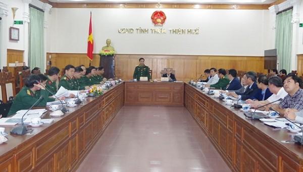 Toàn cảnh buổi làm việc của Đoàn công tác Quân khu 4 và UBND tỉnh Thừa Thiên Huế.
