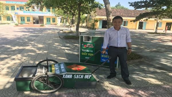 Xe thu gom rác tái chế của thầy giáo Huế