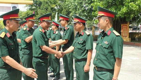 Bộ chỉ huy quân sự tỉnh Thừa Thiên Huế đến kiểm tra Ban CHQS thị xã Hương Trà