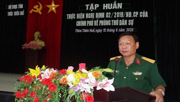 Trung tá Phan Thắng – Phó Chỉ huy trưởng, Tham mưu trưởng Bộ CHQS tỉnh TT - Huế phát biểu chỉ đạo tại buổi tập huấn.