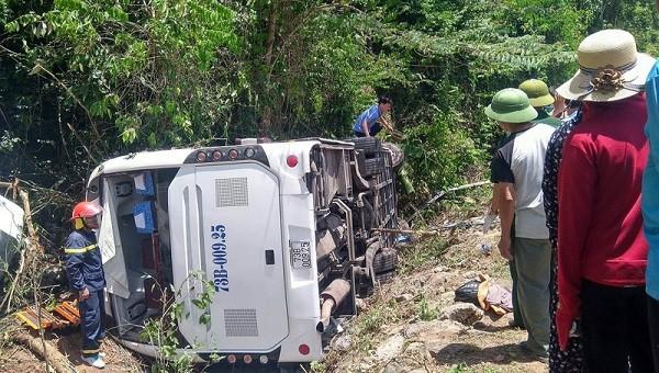 Hiện trường vụ tai nạn khiến 9 người tử vong tại chỗ