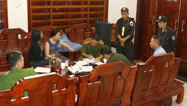 Cơ quan công an bước đầu làm việc với đối tượng Trần Thị Hiên.