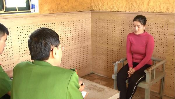 Cơ quan công an làm việc với Trần Thị Quyên.