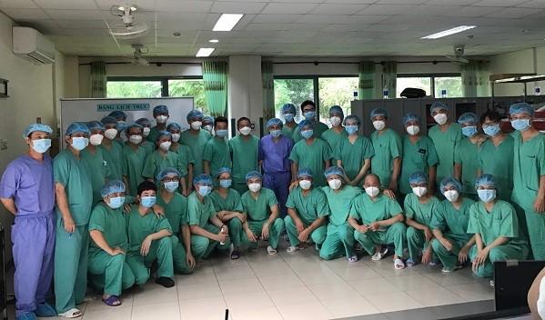 Bệnh viện Trung ương Huế tiếp nhận, điều trị hàng chục bệnh nhân Lào trong đại dịch Covid-19