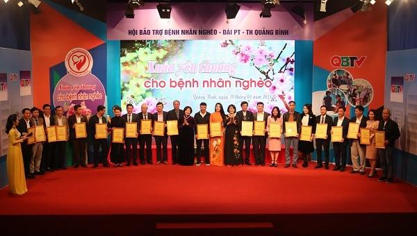 """Mang """"Xuân yêu thương"""" đến với bệnh nhân nghèo tỉnh Quảng Bình"""