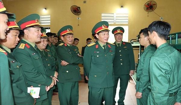 180 thanh niên Thừa Thiên Huế bắt đầu cuộc sống tân binh
