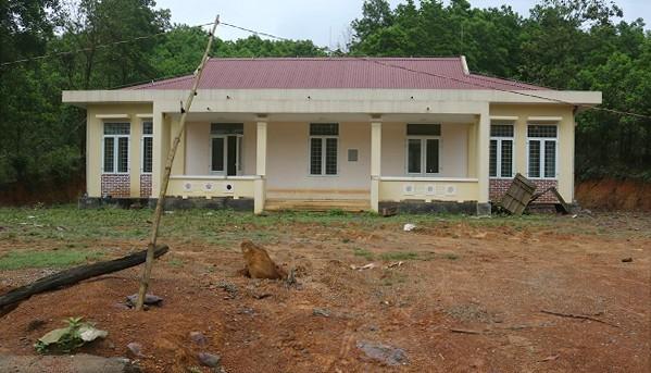Xây dựng điểm trường mới tiền tỷ rồi... bỏ hoang