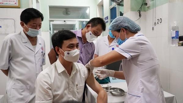 Dự kiến đến 15/5, sẽ có hơn 10.000 người tại Quảng Bình được tiêm vắc xin phòng Covid-19