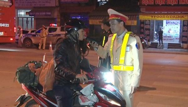 Phạt 6 lái xe vi phạm nồng độ cồn khi tham gia giao thông ở Cao Bằng
