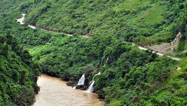 Bồi hồi nơi con sông Đà chảy vào đất Việt