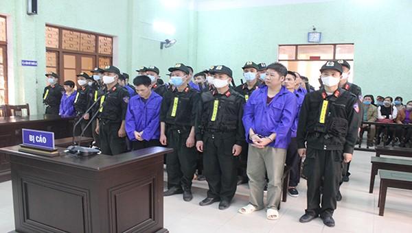 Cao Bằng tuyên sáu án tử hình cho đường dây mua bán gần 500 bánh heroin