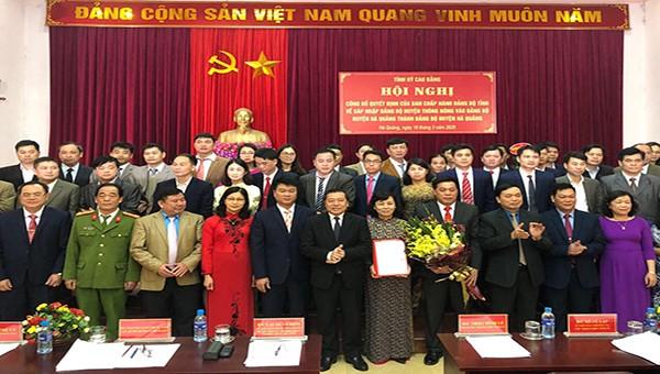 Hội nghị công bố quyết định về sáp nhập Đảng bộ huyện Thông Nông và Đảng bộ huyện Hà Quảng thành Đảng bộ huyện Hà Quảng.