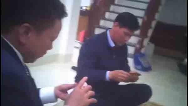 Bí thư Đảng uỷ xã Cao Viên bị tố tổ chức đánh bài ăn tiền