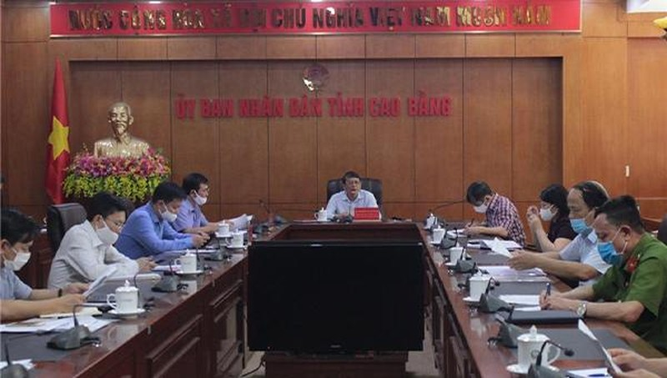 Chủ tịch Cao Bằng cho phép mở lại chợ phiên các huyện từ ngày 24/4,, học sinh đi học lại từ 4/5