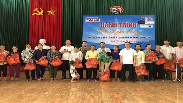 """""""Hành trình kết nối yêu thương"""" đến người nghèo tại huyện Đại Từ, Thái Nguyên"""