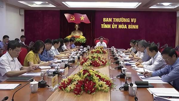 Cuộc họp của Ban Thường vụ Tỉnh ủy Hòa Bình ngày 27/5.