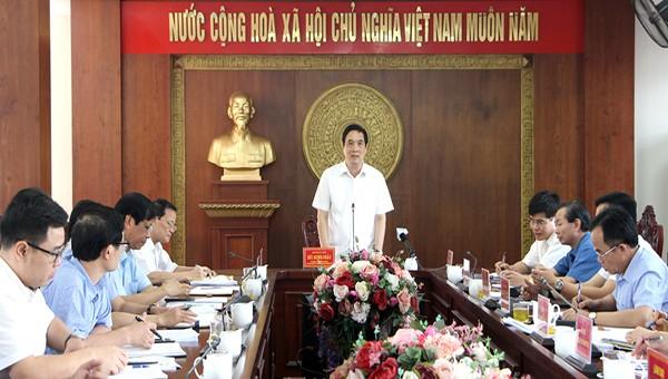Ông Bùi Minh Châu, Bí thư Tỉnh ủy phát biểu tại buổi khảo sát về tình hình quản lý và sử dụng tài sản công