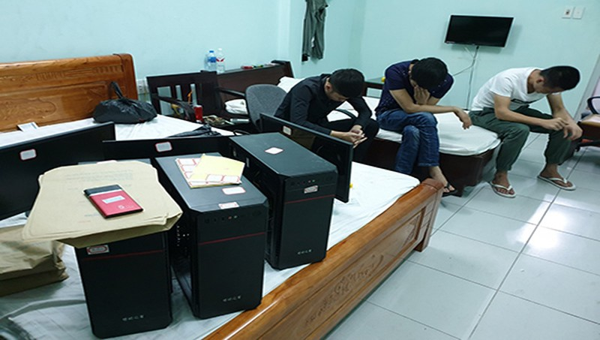 Một vụ bắt giữ các đối tượng sử dụng công nghệ cao để lừa đảo chiếm đoạt tài sản