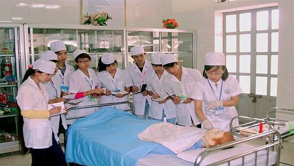 Trường Cao đẳng Y tế Phú Thọ thông báo tuyển sinh 2020