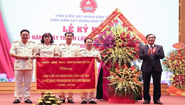 Gắn nhiệm vụ chính trị của ngành kiểm sát Phú Thọ với công cuộc đấu tranh chống tham nhũng
