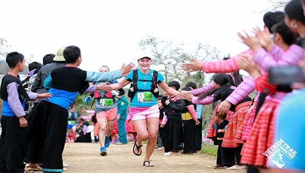 Giải Marathon Mộc Châu thu hút gần 20.000 du khách quốc tế tham gia