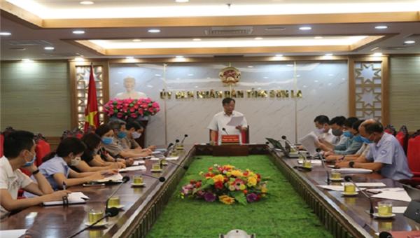 Đồng chí Phạm Văn Thủy, Phó Chủ tịch UBND tỉnh đã chủ trì cuộc họp bàn các giải pháp phòng, chống dịch bệnh trong tình hình mới