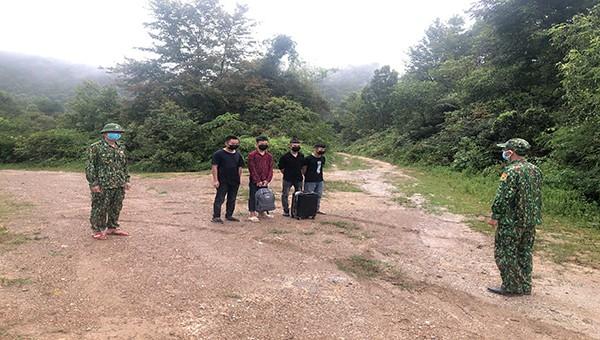 Đồn Biên phòng Ngọc Côn bắt giữ 4 đối tượng nhập cảnh trái phép từ Trung Quốc về Việt Nam.