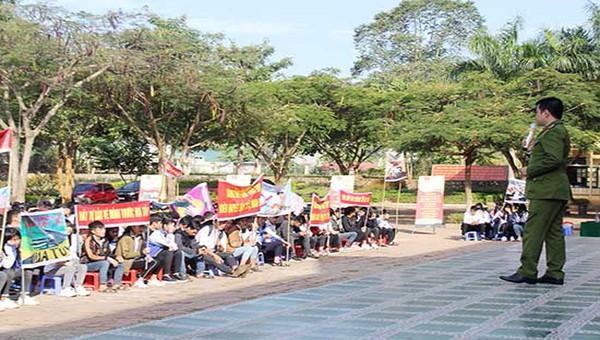 Công an tỉnh Sơn La tuyên truyền, giáo dục pháp luật về phòng chống ma túy học đường.