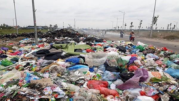 Thu gom và xử lý rác thải vẫn là bài toán khó của tỉnh Bắc Ninh.