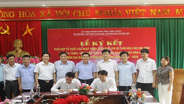 Quang cảnh lễ ký kết giữa Sở GD&ĐT và Sở VHTT&DL Vĩnh Phúc