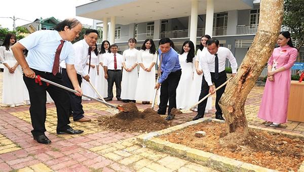 Lãnh đạo tỉnh Cao Bằng dự lễ khai giảng năm học mới 2020 - 2021