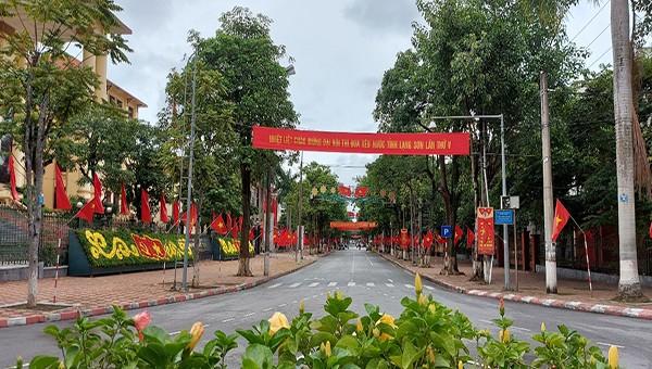Quân dân Lạng Sơn hăng hái, lập thành tích chào mừng Đại hội Đại biểu Đảng bộ tỉnh lần thứ XVII.