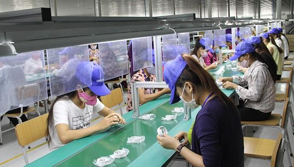 Sản xuất linh kiện điện tử là một trong các ngành nghề hoạt động chính trong CCN Lan Sơn 2.
