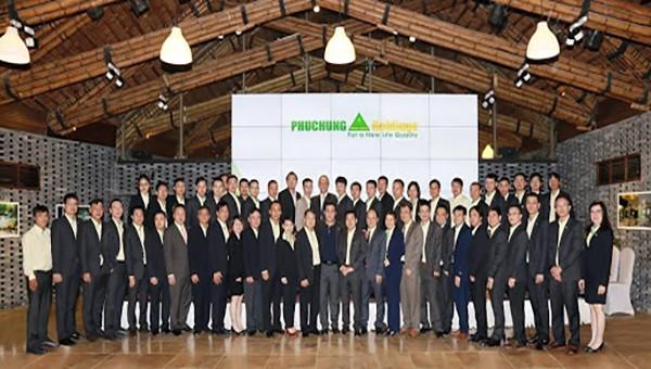 Đội ngũ lãnh đạo, nhân viên Phục Hưng Holdings.