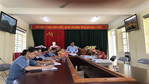 Lãnh đạo Sở Tư pháp làm việc tại xã Minh khai, huyện Thạch An, tỉnh Cao Bằng