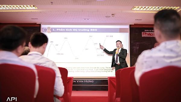 Ông Nguyễn Văn Hưng,Chủ tịch ADO GROUP trực tiếp chia sẻ với các nhà đầu tư
