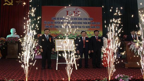 Xã Lục Ba đón nhận Quyết định xã đạt chuẩn Nông thôn mới giai đoạn 2015-2020.