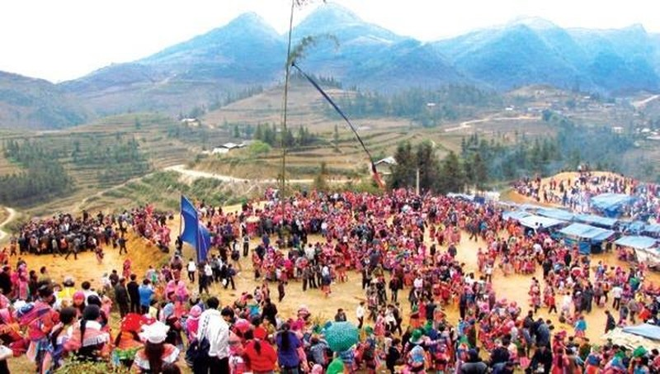 Về Suối Đồng hòa mình trong Lễ hội Gầu Tào mùa Xuân